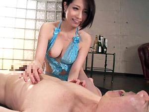 関西弁の巨乳痴女がフェラ・乳首舐め手コキ・騎乗位SEXでM男責め!鷹宮ゆい